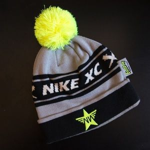 Nike NXN Cross Country Pom Pom Beanie